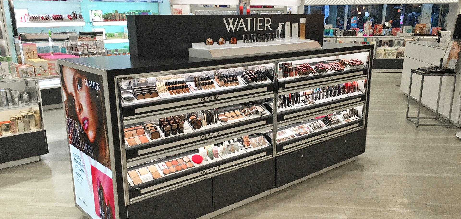 Lise Watier Counter Display