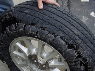 3 TIRE DAMAGE WARNING SIGNS THAT IT'S TIME TO REPLACE YOUR RUBBER