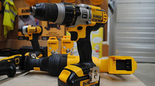 TOP 5 BATTERY POWERED TOOLS YOU NEED FOR YOUR GARAGE