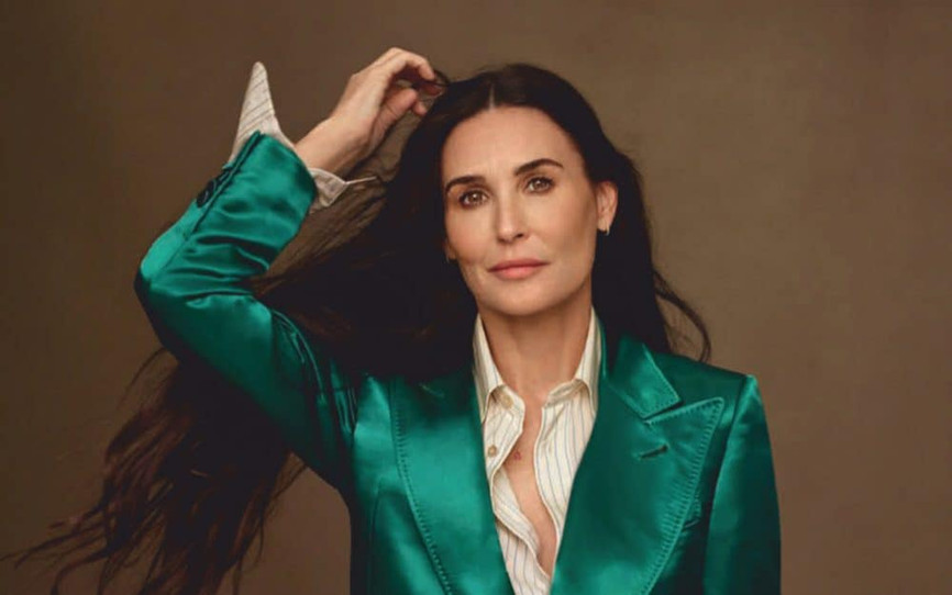 Demi-Moore-by-Thomas-Whiteside-for-Vogue