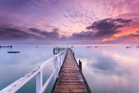 Dawn breaks at Sorrento in Victoria, Aus