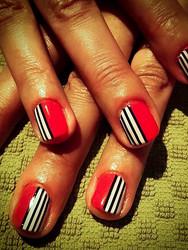 Red_stripe_nails.mini_spa_vt.jpeg