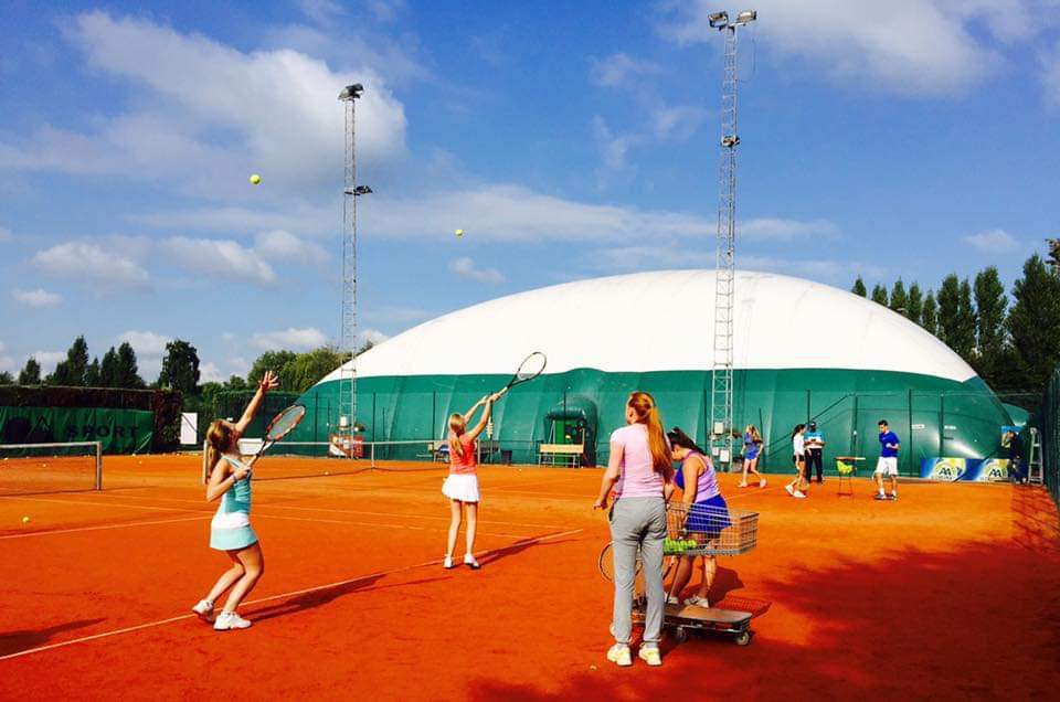 tennis les op tenniscub De Born