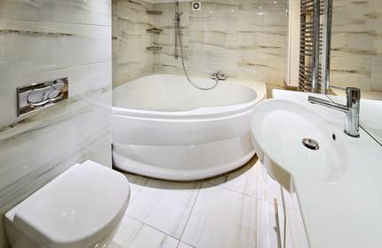 corner bath in beautiful bathroom