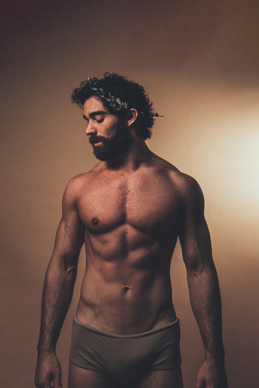 FABIO CROCE PHOTOGRAPHED BY TON GOMES