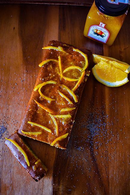 Pastel de naranja con semillas de amapola