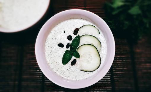 Sopa de pepino con hierbabuena