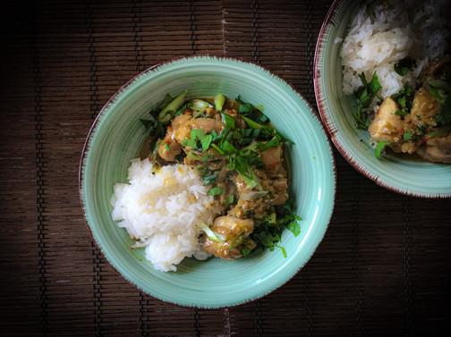Pollo con jengibre y chilis