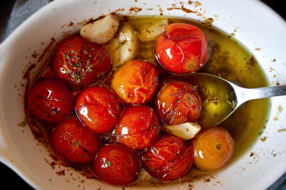 Tomates confitados al horno