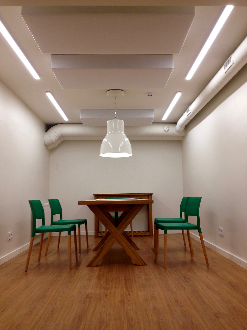 Naujos bendradarbystės (coworking) ir nedidelių biurų erdvės Kauno centre - Happspace.
