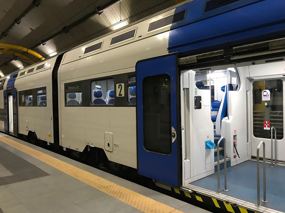 ローマ・フィウミチーノ空港とテルミニ駅を30分で結ぶ直通電車