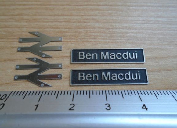 60096 Ben Macdui with double arrows