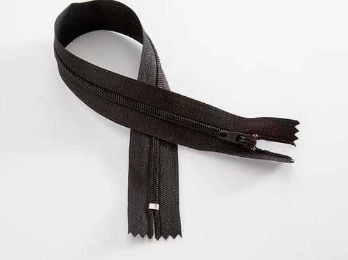 """22"""" Nylon Zip - black"""