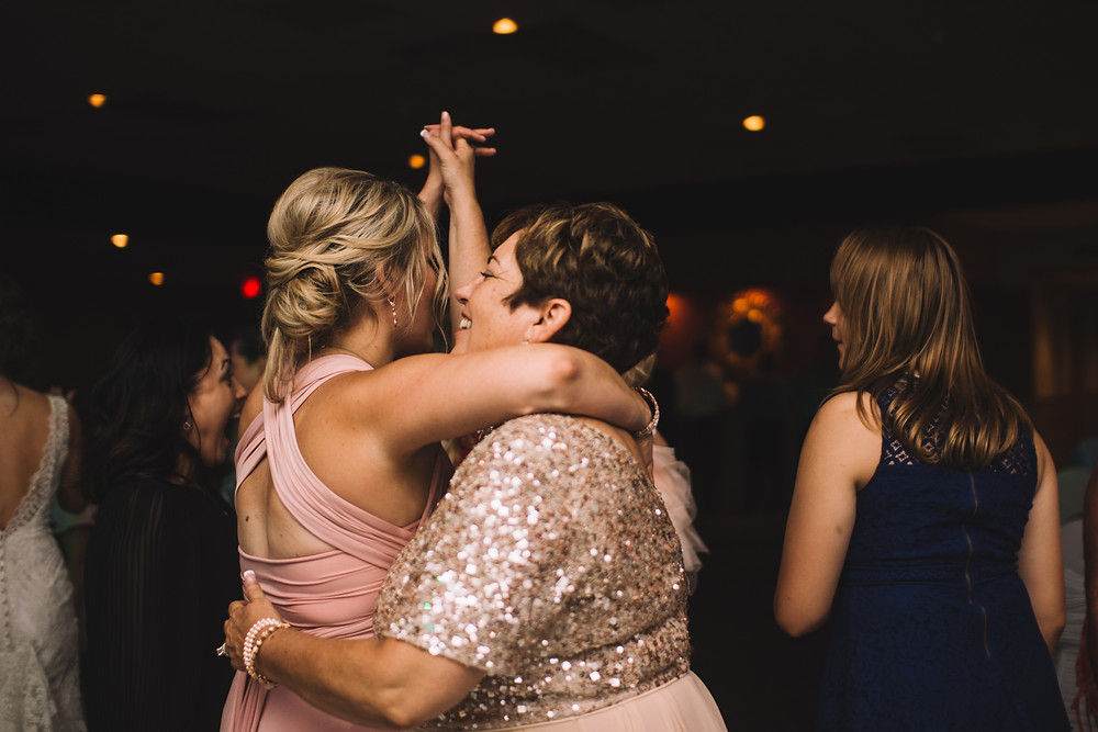 wedding, photography, Illinois, Lincoln, Central Illinois, Springfield, Downtown, Small Town, Effingham, Bloomington, Clinton, Wedding Vows, Sherman, Williamsville, Decatur, Peoria, Riverton, Evansville, Indiana, Affordable, Lifestyle, Reception, Dancing, Wedding Night