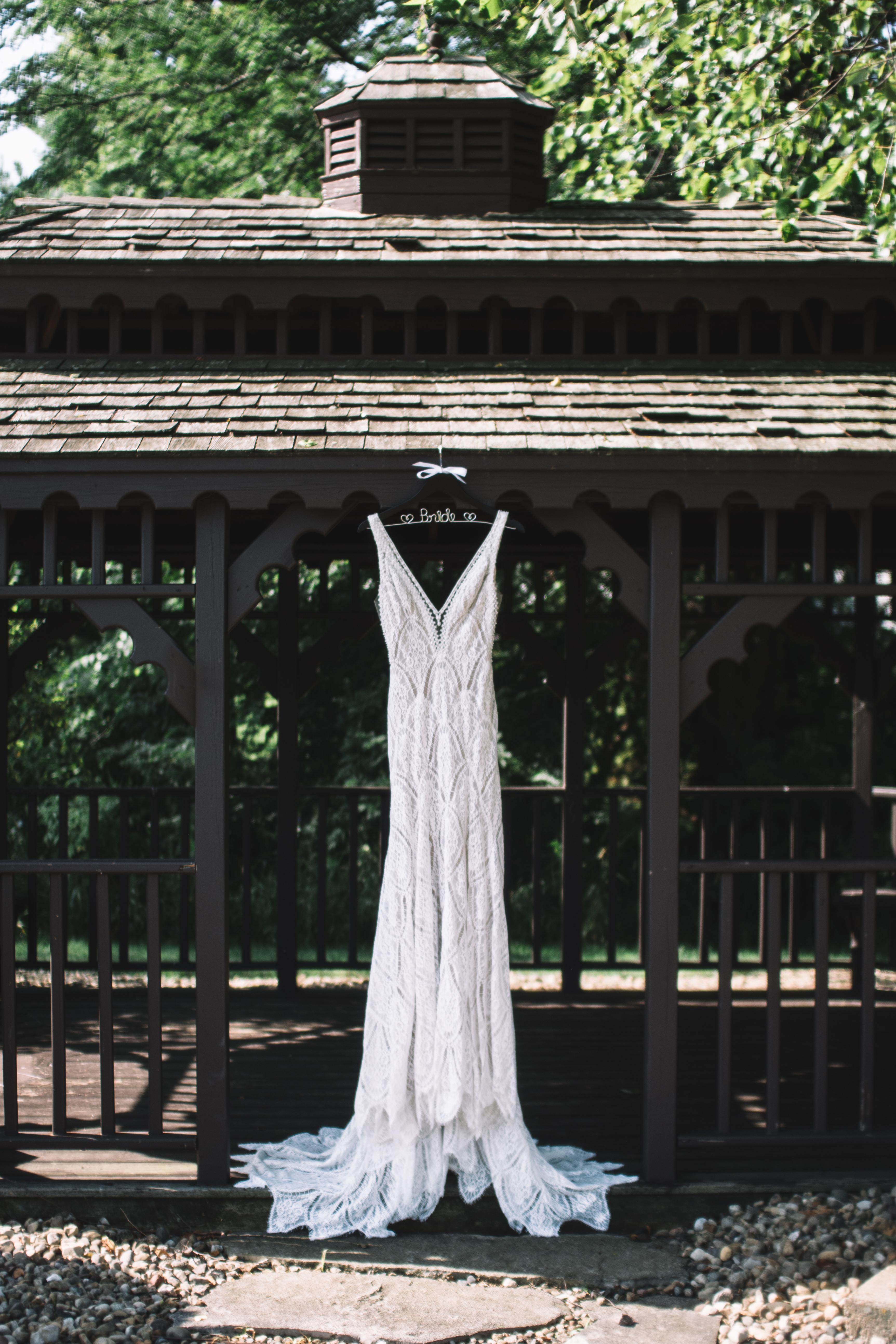 peoria il wedding dress, peoria il wedding photographer, wedding dress photo, northwoods community c