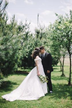 geneva il wedding, geneva il wedding photographer, quincy il wedding, outdoor covid wedding, outdoor