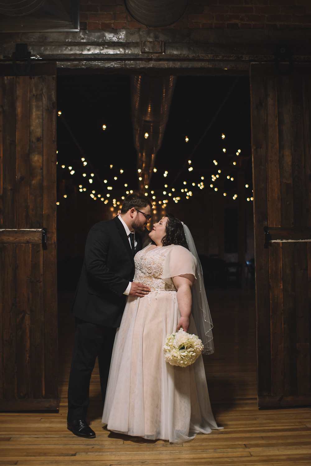 Peoria, IL, Illinois, Trailside Event Center, Wedding Venue, Central Illinois, Exposed Brick, Wooden Columns, Warehouse, Renovated, Peoria Heights, Illinois Photographer, Photography