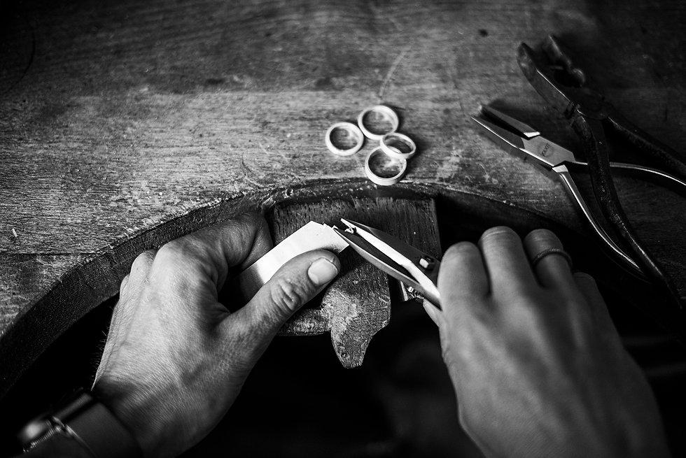 Artisan bijoutier Marseille et Aix en provence. Bijoux artisanaux made in France.