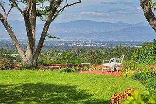 encino view backyard.jpg