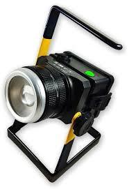 Holofote Refletor Tático Com Ajuste de Zoom e Foco Direcionável de Longo Alcance