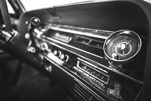 vintage-car-dashboard-interior-PWDKY7P_e