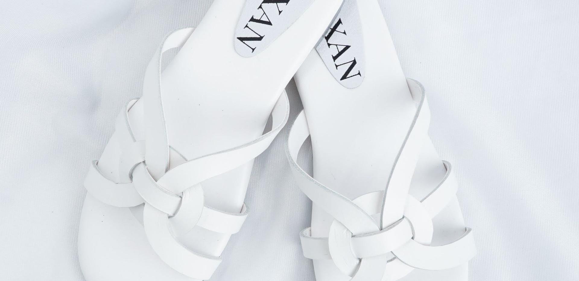 Chia sandals