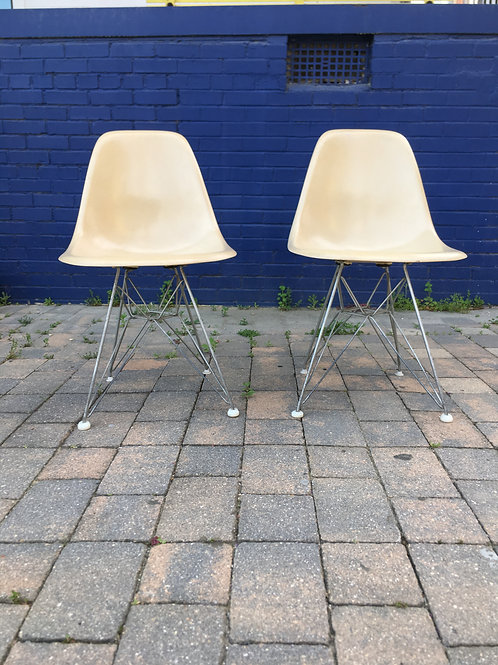 Pair of Charles Eames Fiberglass Shell Chairs With Original Eiffel Tower Bases