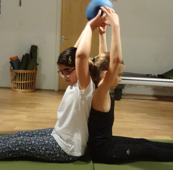 Kids-Spine stretch