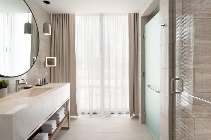 tpajd-corner-bathroom-6244-hor-clsc.jpg
