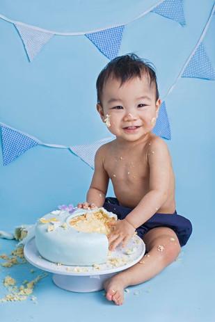 Sutton Coldfield cake smash photographer.jpg
