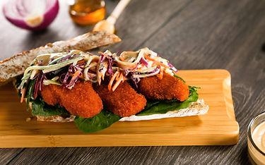 Sándwich con Filete de Pescado Ricamar