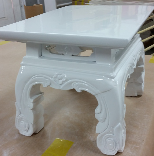 Gloss white side vintage table.JPG