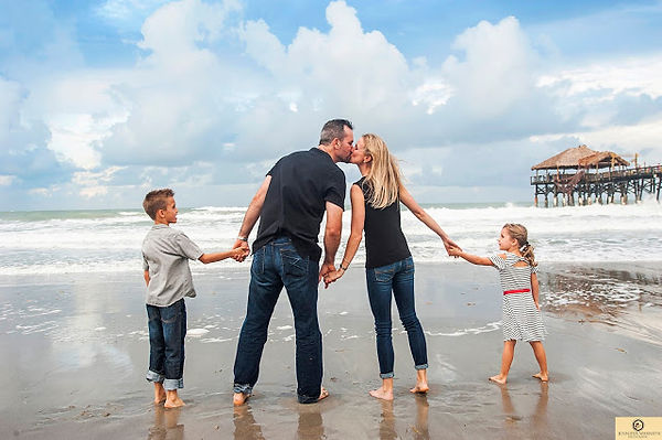 Cocoa beach pier family photography.jpg