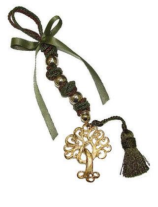114.3018 - Γούρι 35cm Σε Τρίκλωνο Κορδόνι, Δέντρο, Φούντα, Χάντρες Και Κορδέλα