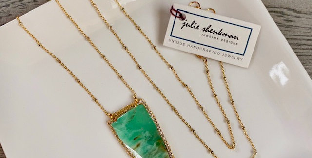Chrysoprase and Crystals