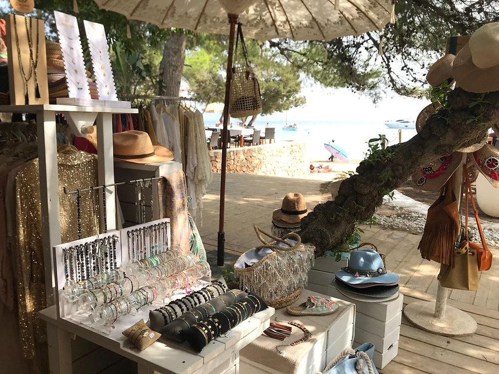 Find the 2 boutiques at CBbc, Cala Bassa on MAP