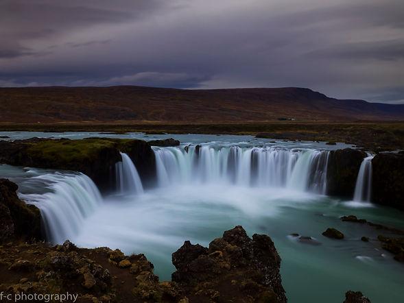 photographie de cascade en islande  godafoss