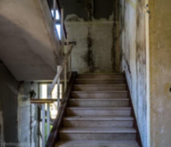photographie escalier hopital urbex