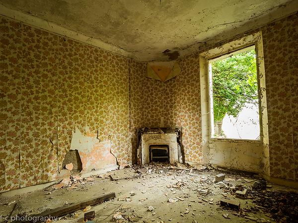 photo maison abandonné decay cheminée