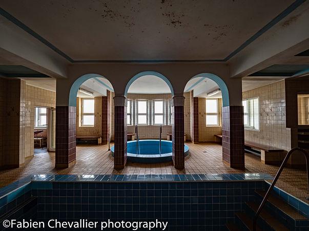 picture urbex swiming pool,thermal bath