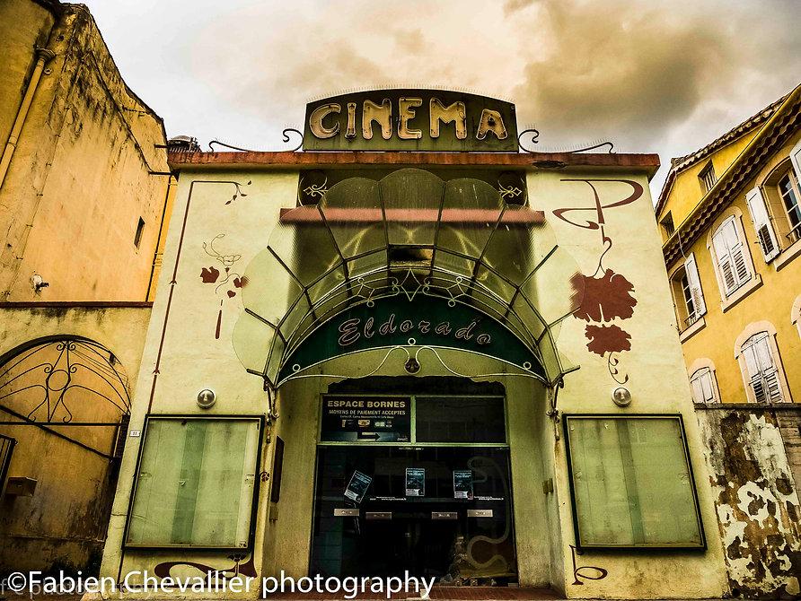 photo du cinéma art déco Eldorado à draguignan