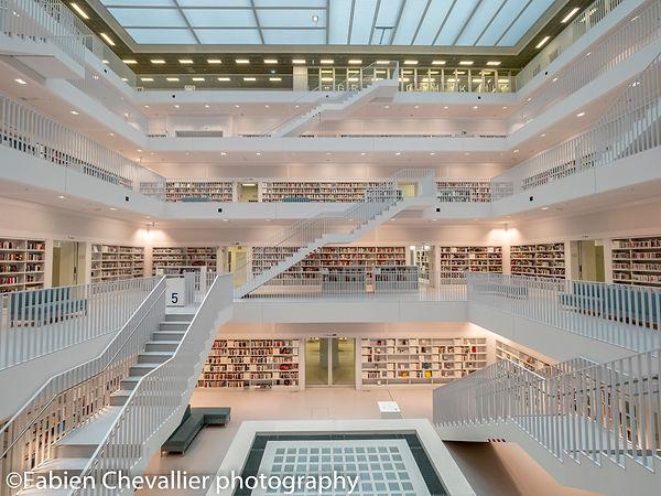 photo de la bibliothèque de stuttgart