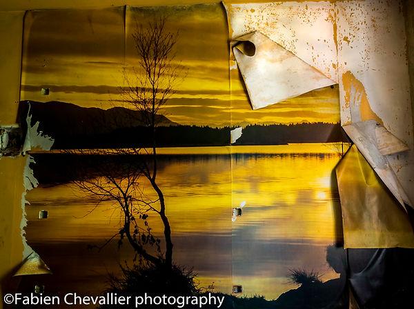 photo urbex d'un papier peint couché de soleil