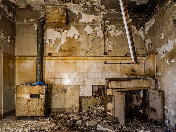 photo d'une cuisine abandonnée decay