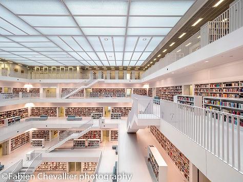 photo de bibliothèqen allemgneue de suttgart