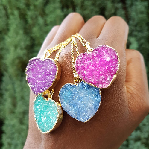 Colourful druzy heart pendant necklaces with beaded gold chain – Aqua Green