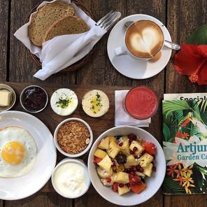 artjuna-special-breakfast.jpg