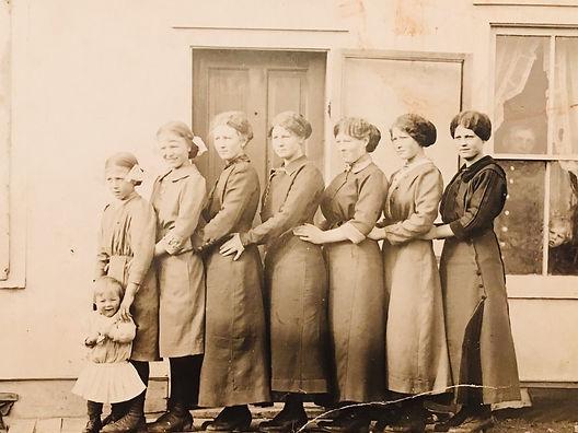 Swan sisters, Norwegian side