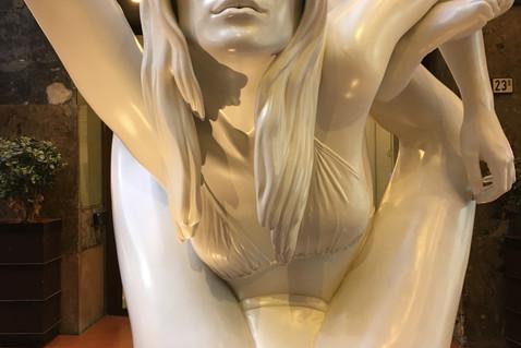 Sculpture, Oslo (massive!)