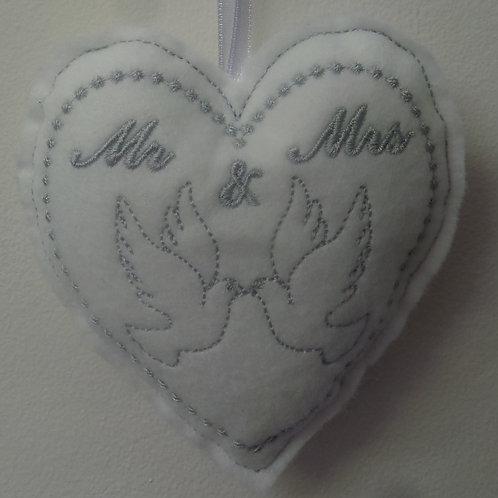 Dove Hearts (wedding) 4 x 4 Design